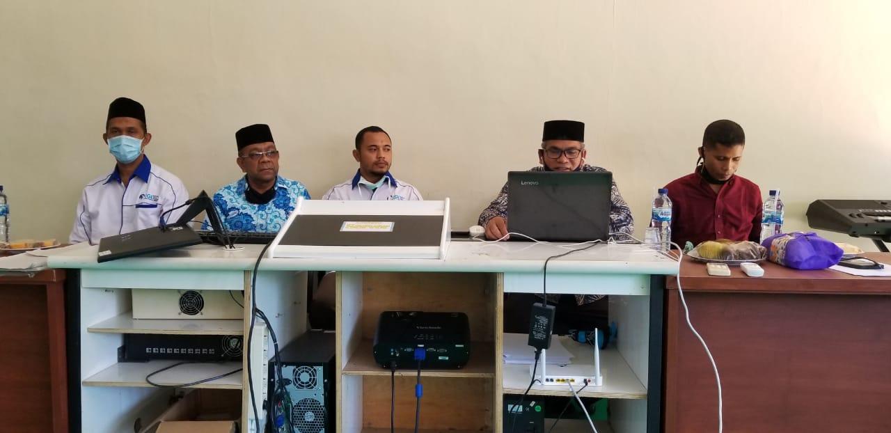 Kadisdikbud bersama penguru IGI Bireuen saat membuka pelatihan daring secara virtual (doc. Hamdani)