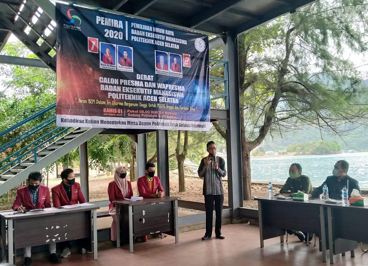 Debat Kandidat Calon Presiden BEM, Direktur Poltas: Organisasi satu-satunya Sarana Efektif Melahirkan Calon Pemimpin
