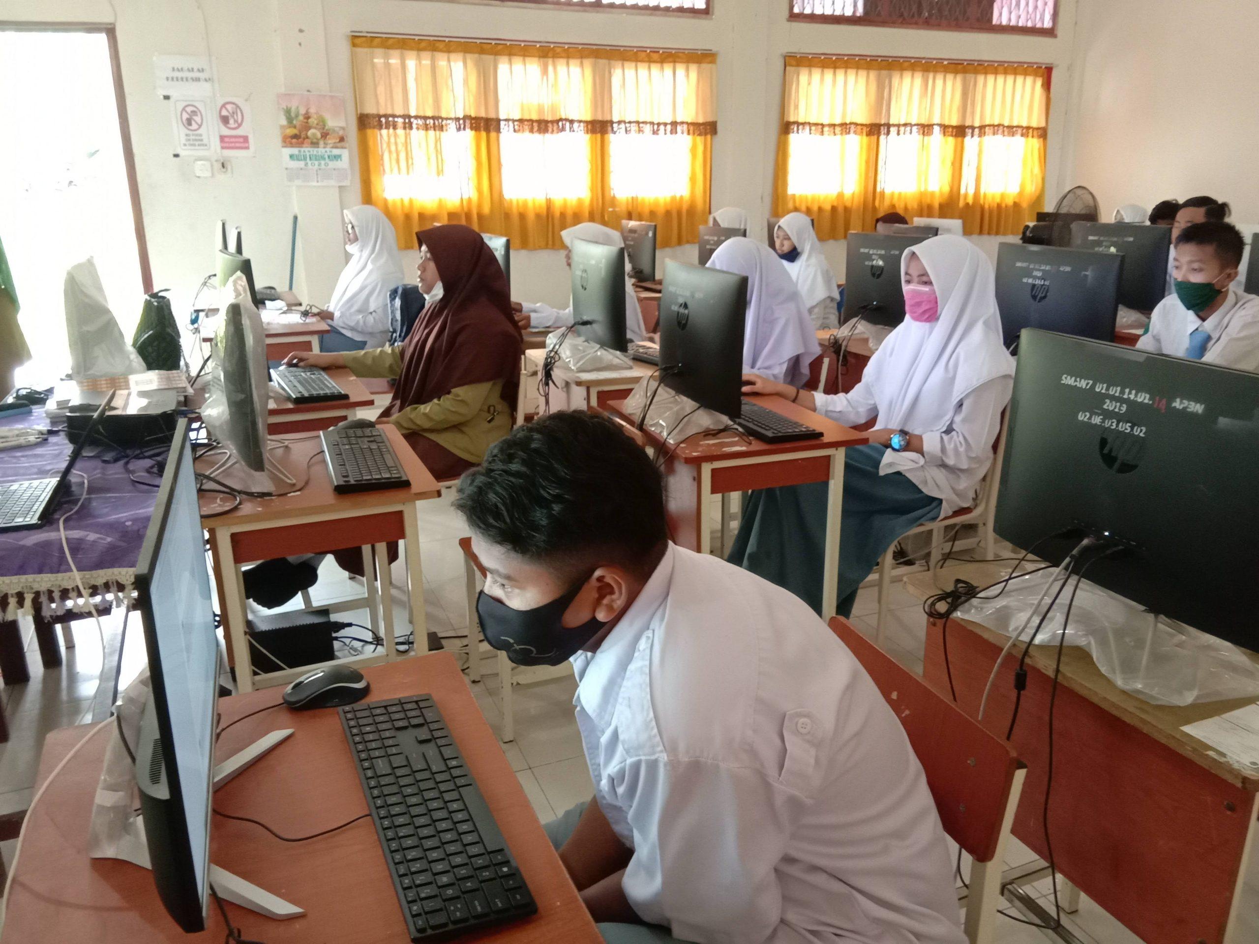 Pandemi Covid-19, SMAN 7 Lhokseumawe Gelar Ujian Online