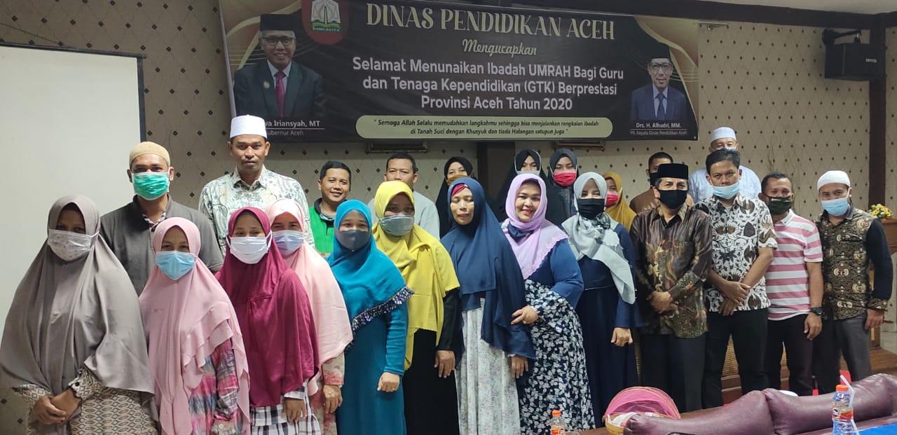 Disdik Aceh Lepas Keberangkatan Jamaah Umrah GTK Berprestasi Tahun 2020